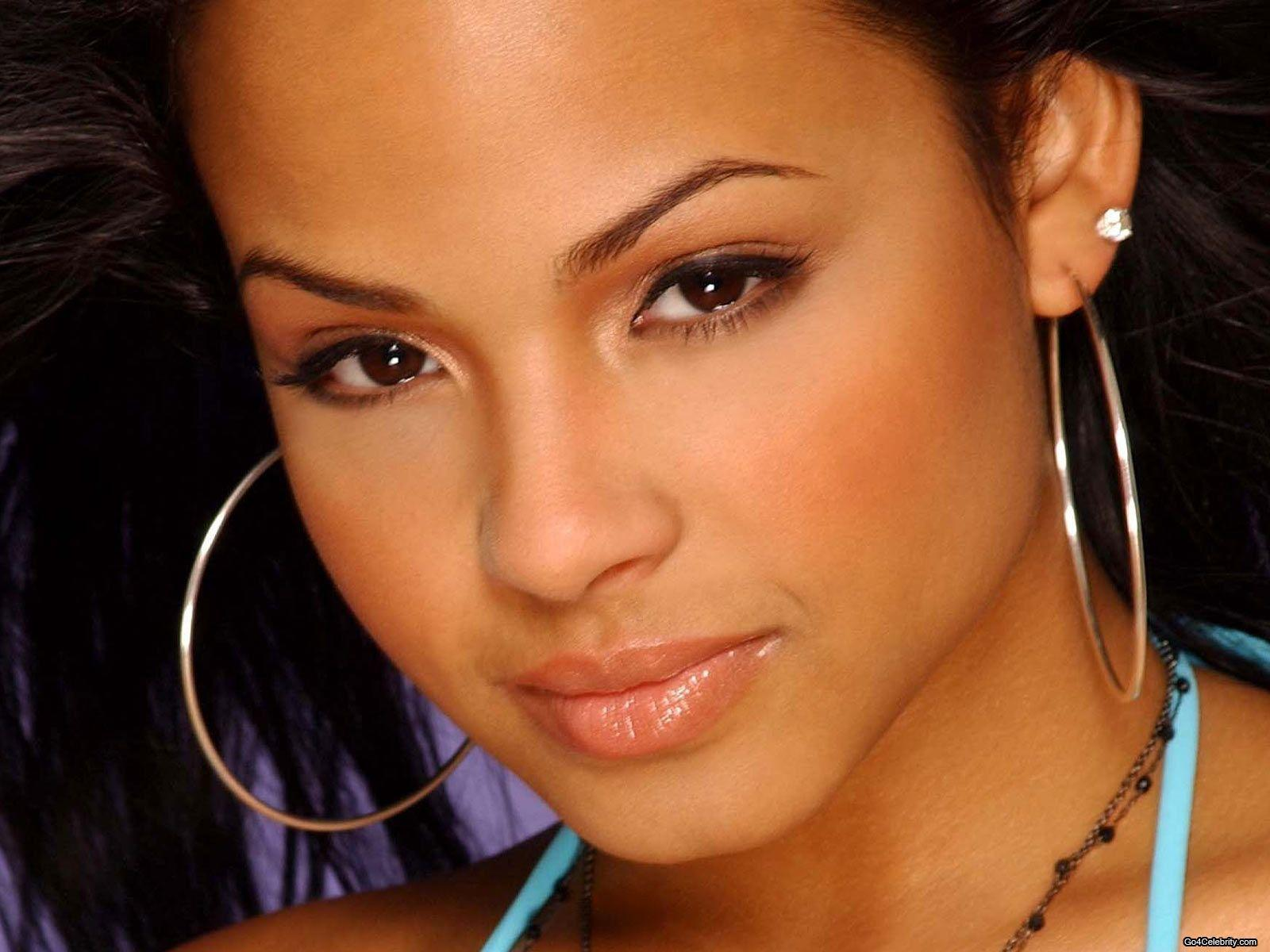 Milian-closeup-wallpaper
