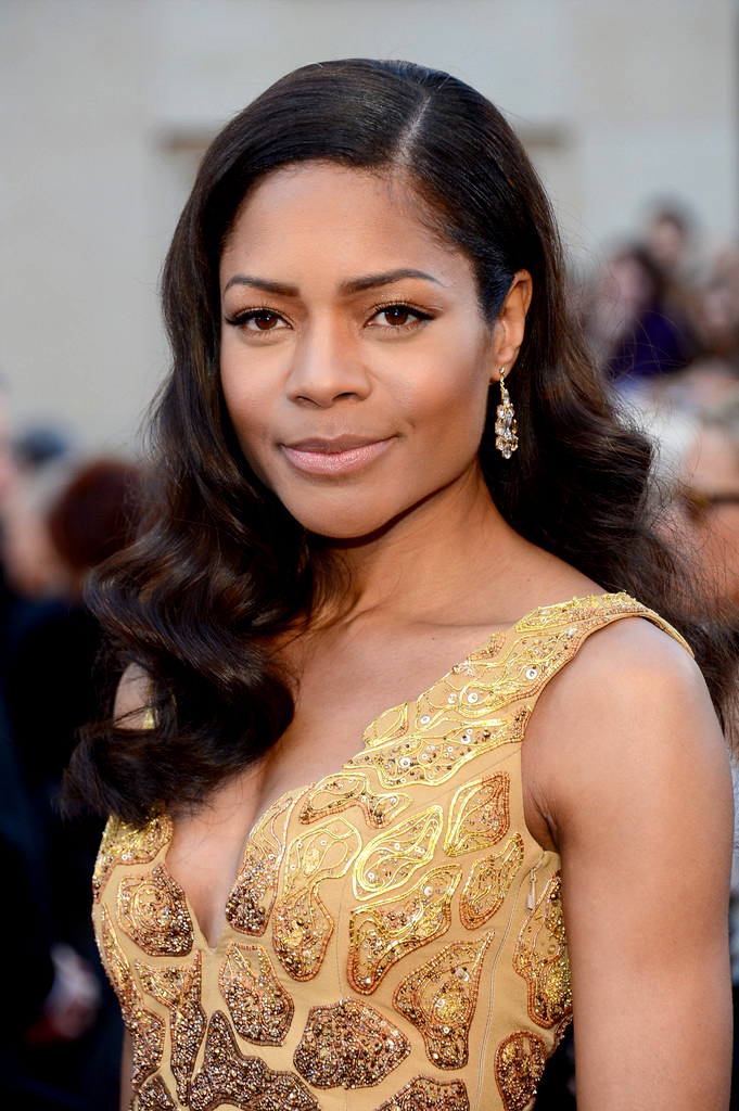 Oscars-2013-Red-Carpet-arrivals-Naomie-Harris-pictures-